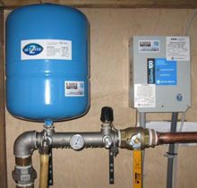 EADES WELL DRILLING Well Water Pump and Pressure Tank Systems Residential Small Pressure Tank